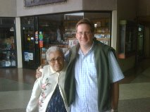 Carmen conmigo en Valencia hace 3 años. Mi primo Meyer fotografía.