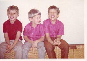 Mi primo Meyer, Ariel y mi hermano Ernesto.